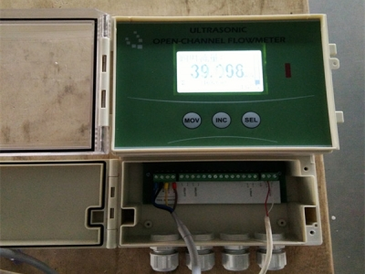 Open channel flow meter on test
