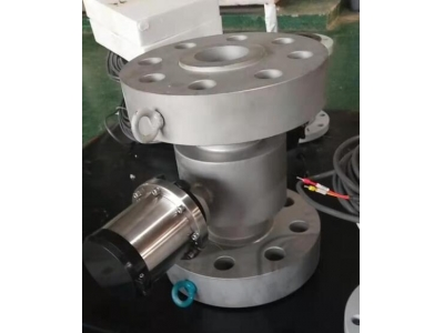 High pressure battery power electromagnetic flow meter